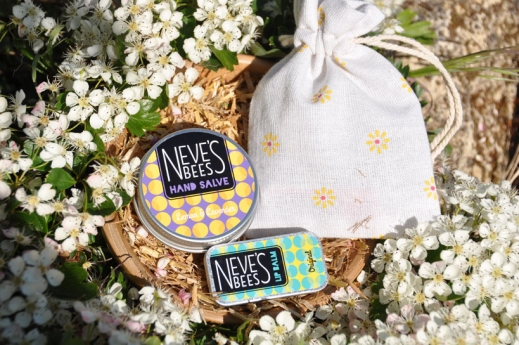 Neve's Bees Originals Gift Bag